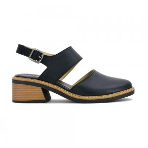 Sandalia Casual Korium Candy Closed Toe con Taco